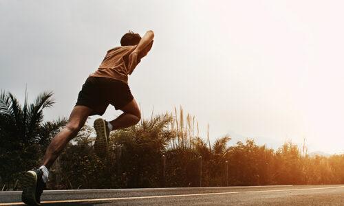 man runner start running on road